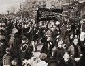 Ekmek ve barış için kadın gösterisi - 8 Mart 1917, Petrograd, Rusya
